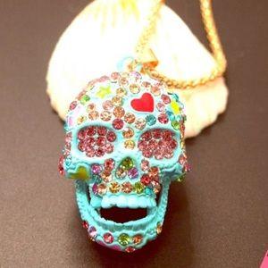 NWT Betsey Johnson Rhinestone love skull necklace